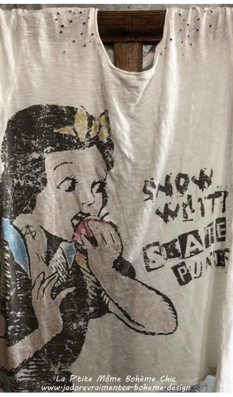 Skate Punks Tee-Shirt Blanc Blanche Neige De Notre Enfance Revisité, en Coup Boyfriend