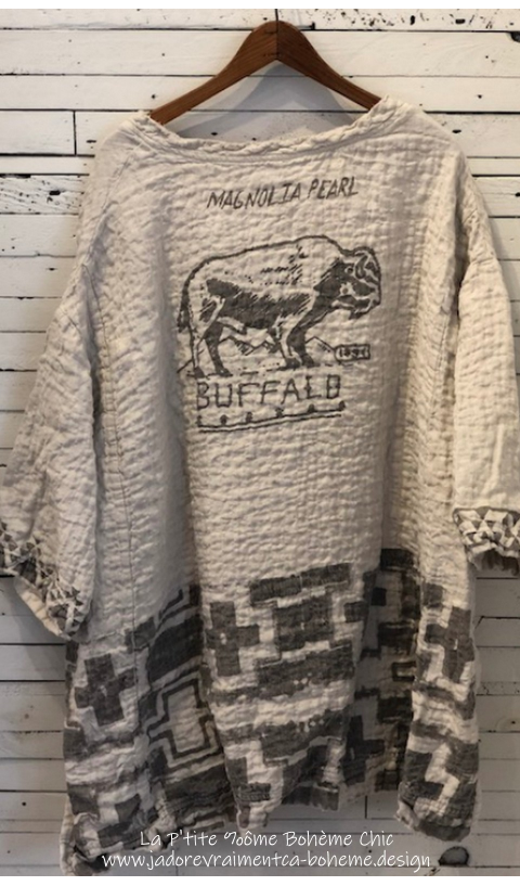 Francis Oversize Pull-Over with Native American Graphics Sitting Bull