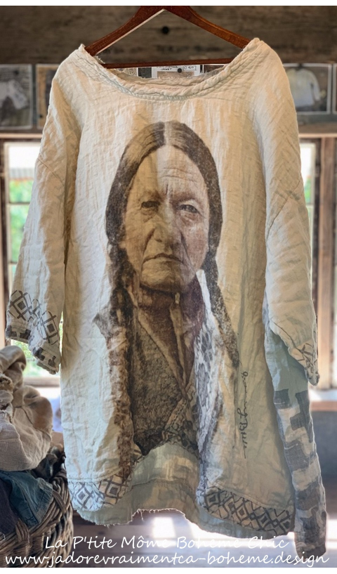 Francis Sitting Bull 1875 Oversized Quilted Pullover Blockprint en Couleur