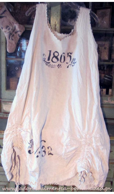Specialty Farm Dress 1865 In Antique French Linen 1865