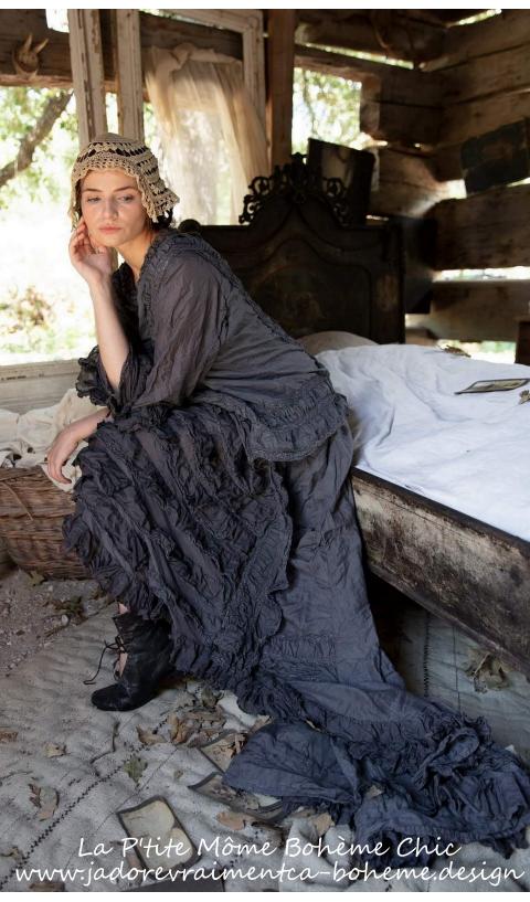 Hyacinth Gown Une Vraie Oeuvre D'Art Cette Robe En Midnight