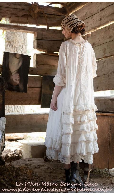 Queen Nellie Robe, Une Oeuvre d'Art Brodé & Travaillé En Moonlight