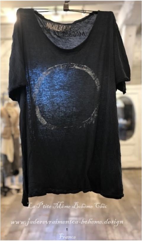 Venice Tee Shirt In True, V Collar