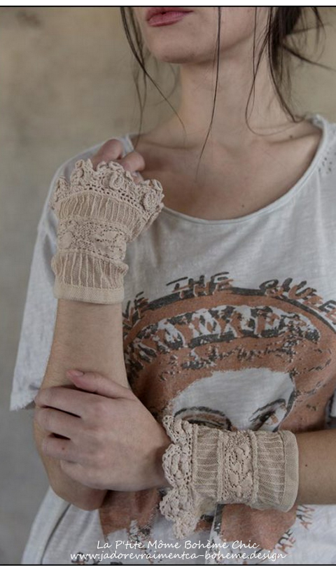 ulle and Rose Lace Clara Cuffs with Antique Snaps