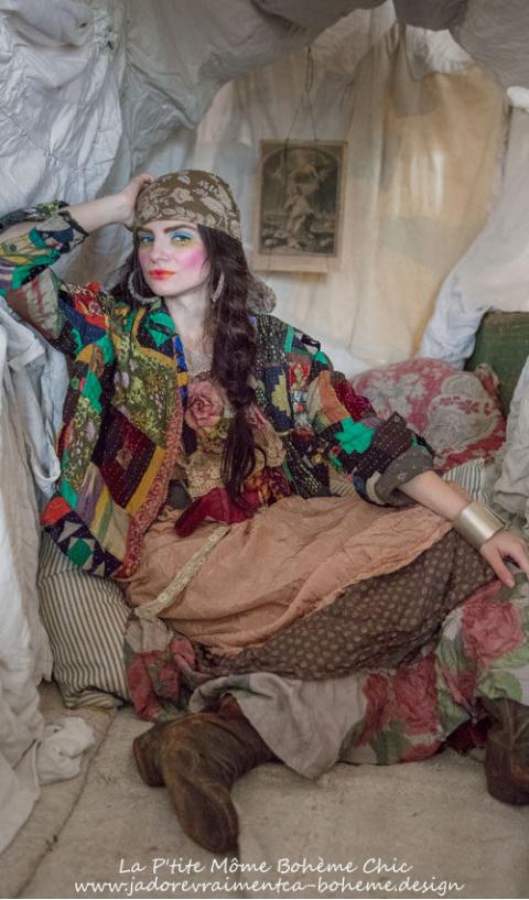 Anya Une Robe Adorable en Coton soyeux avec  Jupon...Une merveille